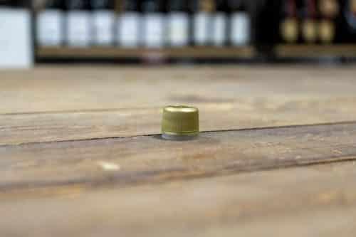 Tappo Prefilettato in Plastica con Sigillo - Prodotti per l'Olio d'Oliva